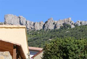 La Claouzo sous le château de Peyrertuse